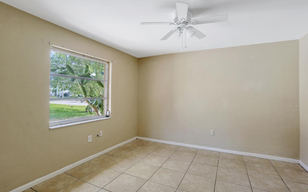 825 Lucerne Pkwy, Cape Coral - Condo For Sale 702189728