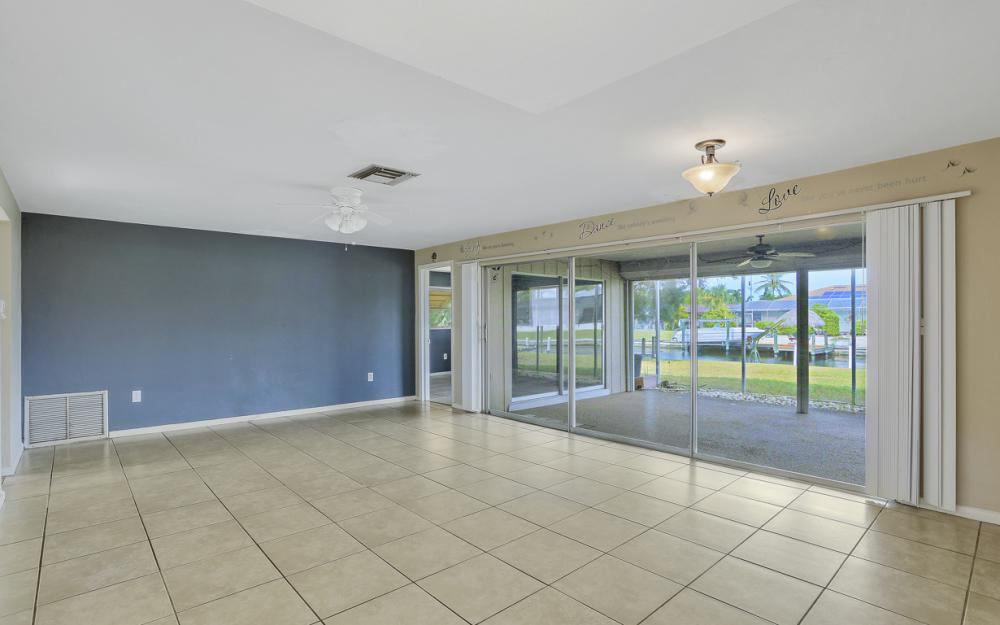 825 Lucerne Pkwy, Cape Coral - Condo For Sale 1005428812