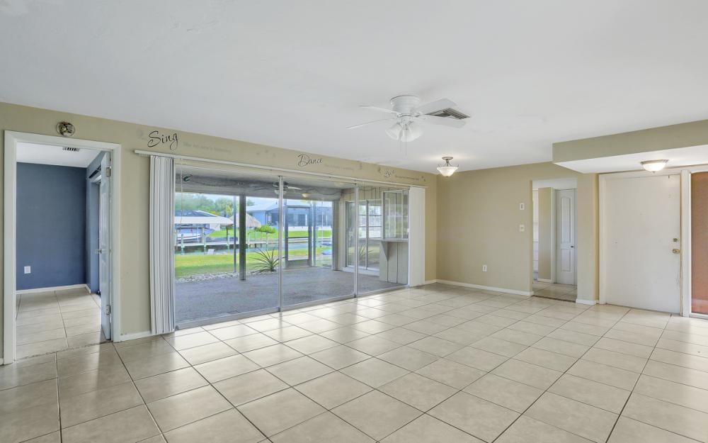 825 Lucerne Pkwy, Cape Coral - Condo For Sale 2085089829
