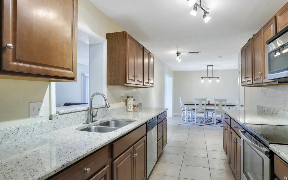 18596 Bradenton Rd, Fort Myers - Home For Sale 67443334