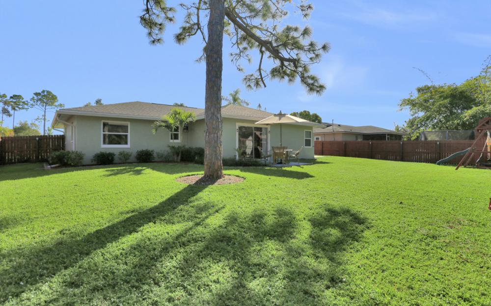 18596 Bradenton Rd, Fort Myers - Home For Sale 455570808