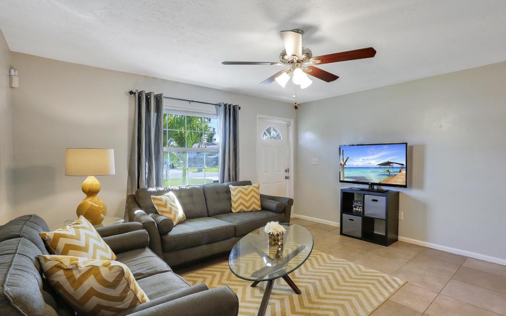 18596 Bradenton Rd, Fort Myers - Home For Sale 1922622760