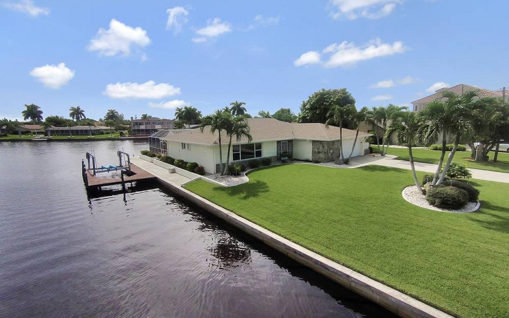 111 SW 54th Ter, Cape Coral - House For Sale 2056442619