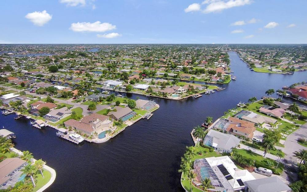 111 SW 54th Ter, Cape Coral - House For Sale 1200345578