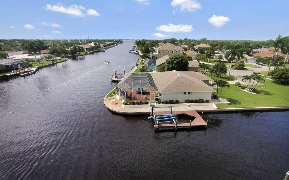 111 SW 54th Ter, Cape Coral - House For Sale 1350025451