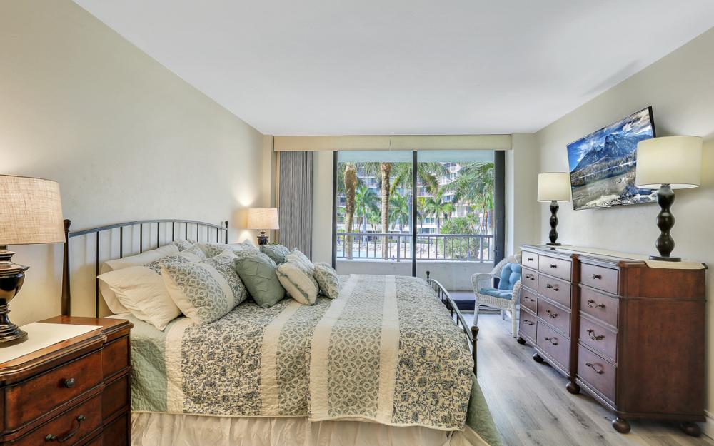 380 Seaview Ct #208, Marco Island - Vacation Rental 2008879102