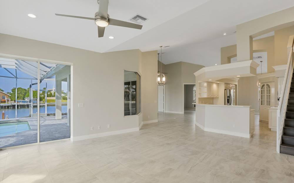 948 Hunt Ct, Marco Island - Home For Sale 323739024