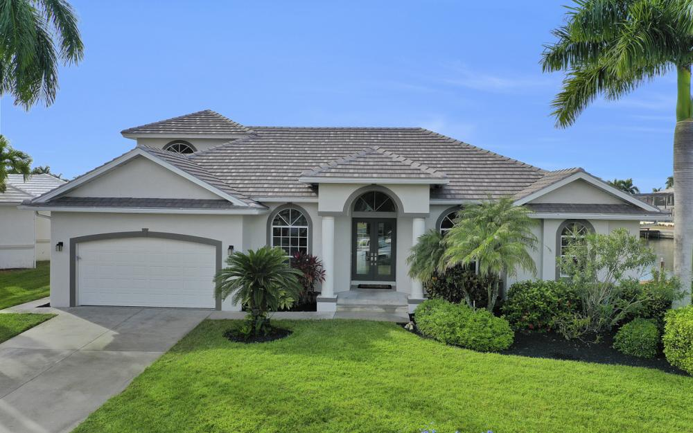 948 Hunt Ct, Marco Island - Home For Sale 596936803