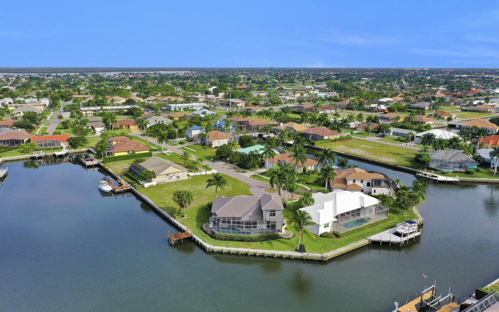 948 Hunt Ct, Marco Island - Home For Sale 1141499095