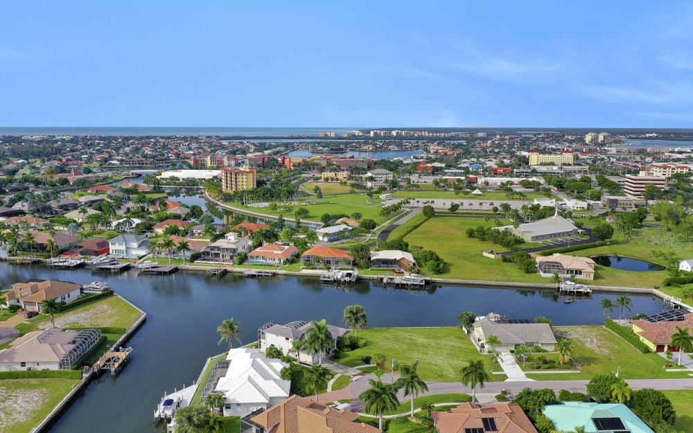 948 Hunt Ct, Marco Island - Home For Sale 1682782695