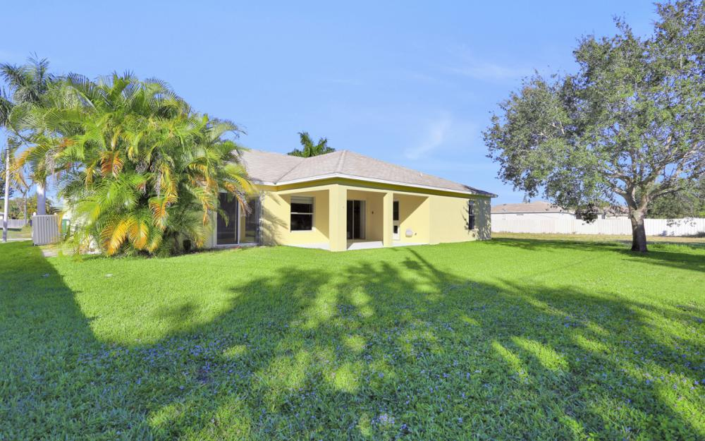 4411 SW 1st Ave, Cape Coral - Home For Sale 1201708872