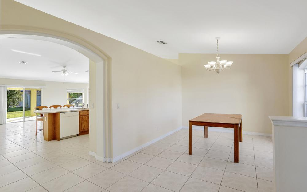 4411 SW 1st Ave, Cape Coral - Home For Sale 248681881