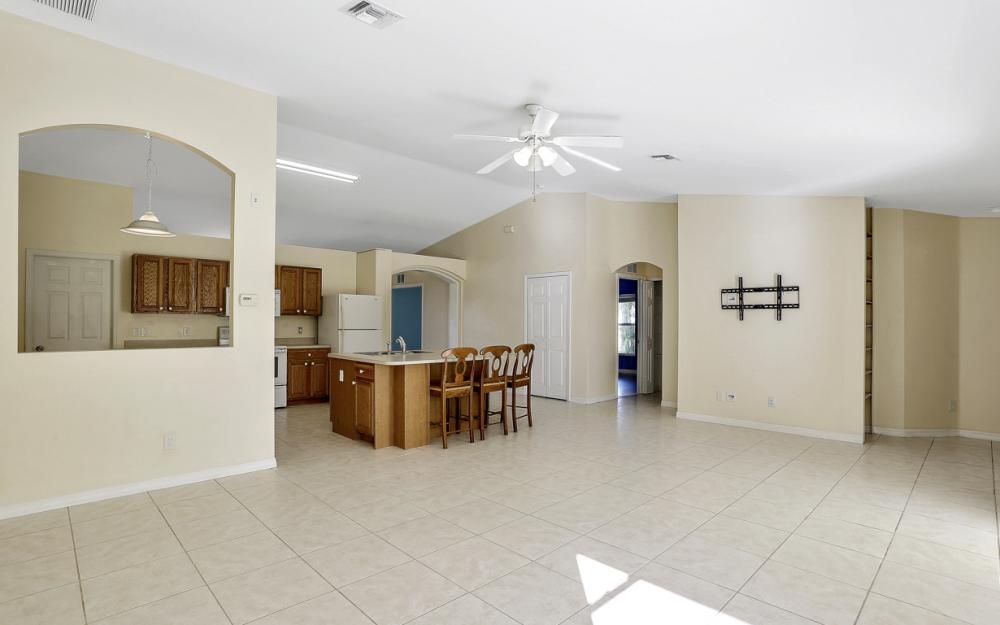 4411 SW 1st Ave, Cape Coral - Home For Sale 826472743