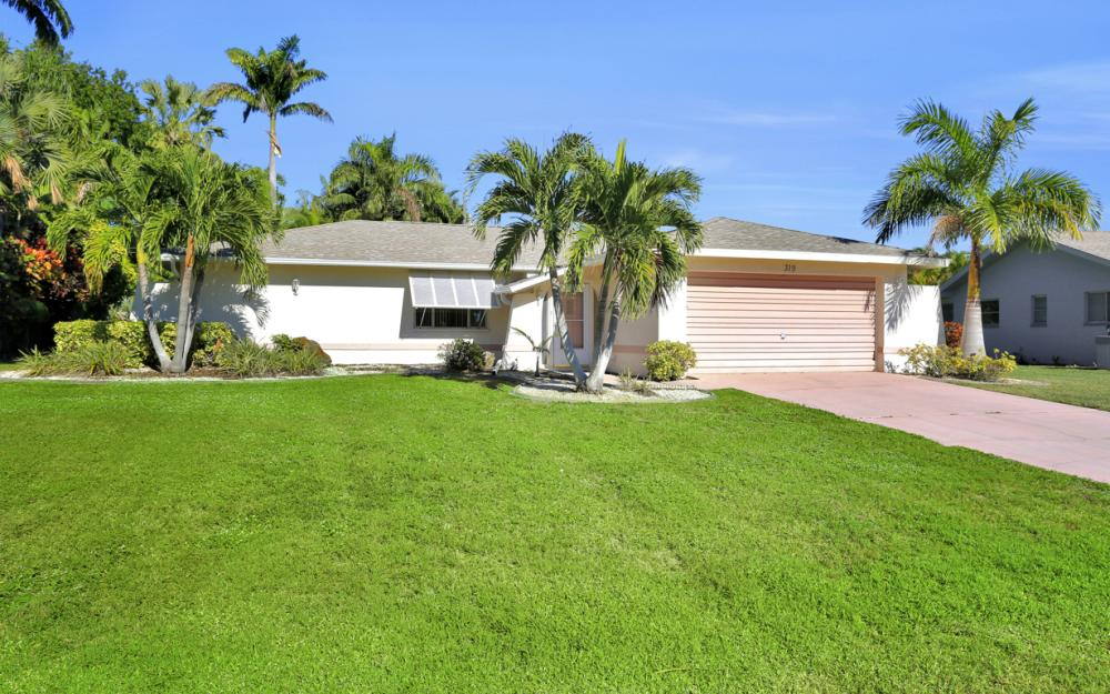 319 SE 34th St, Cape Coral - Home For Sale 1906356332
