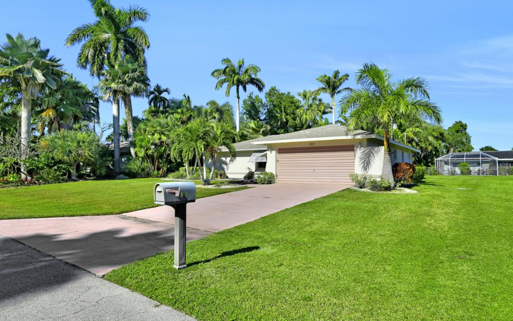 319 SE 34th St, Cape Coral - Home For Sale 1321618802