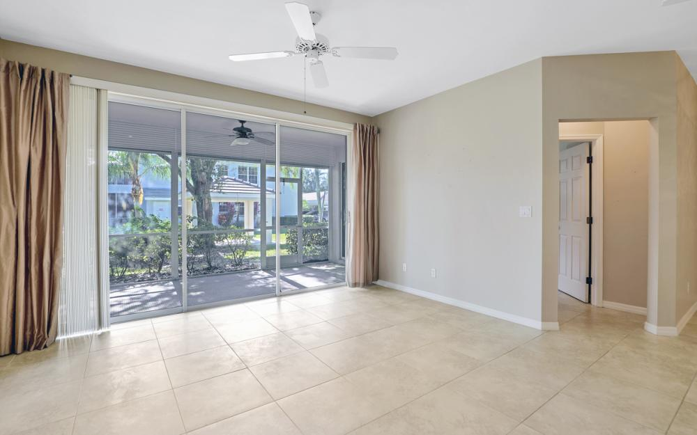 3705 Fieldstone Blvd #4-101, Naples - Condo For Sale 238082774