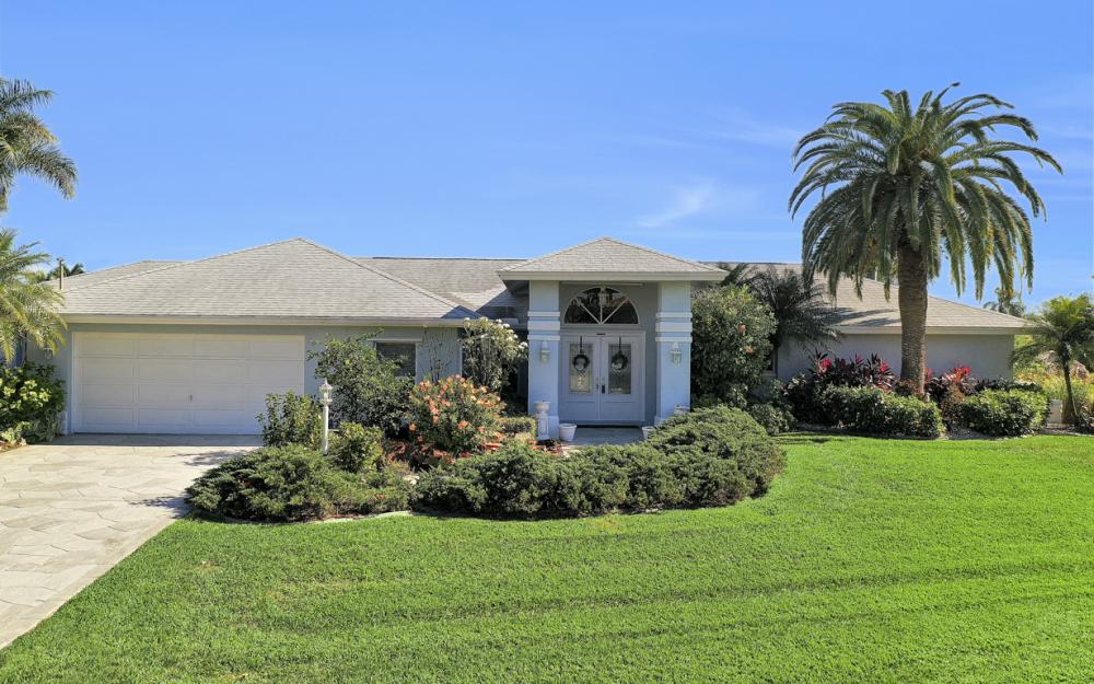 1753 SE 40th St, Cape Coral - Home For Sale 2068336719