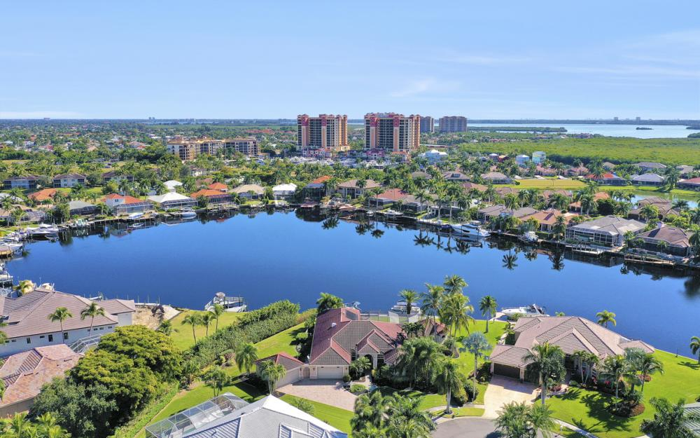 5611 Merlyn Ln, Cape Coral - Luxury Home For Sale 2114895358