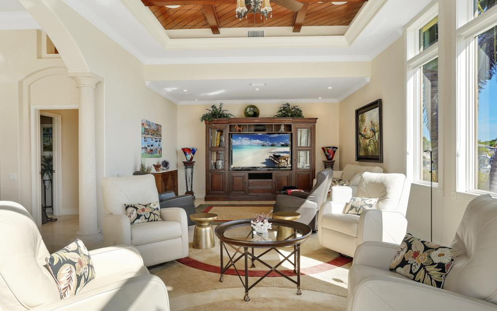 5611 Merlyn Ln, Cape Coral - Luxury Home For Sale 1846422401