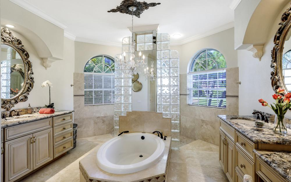 5611 Merlyn Ln, Cape Coral - Luxury Home For Sale 1533874440