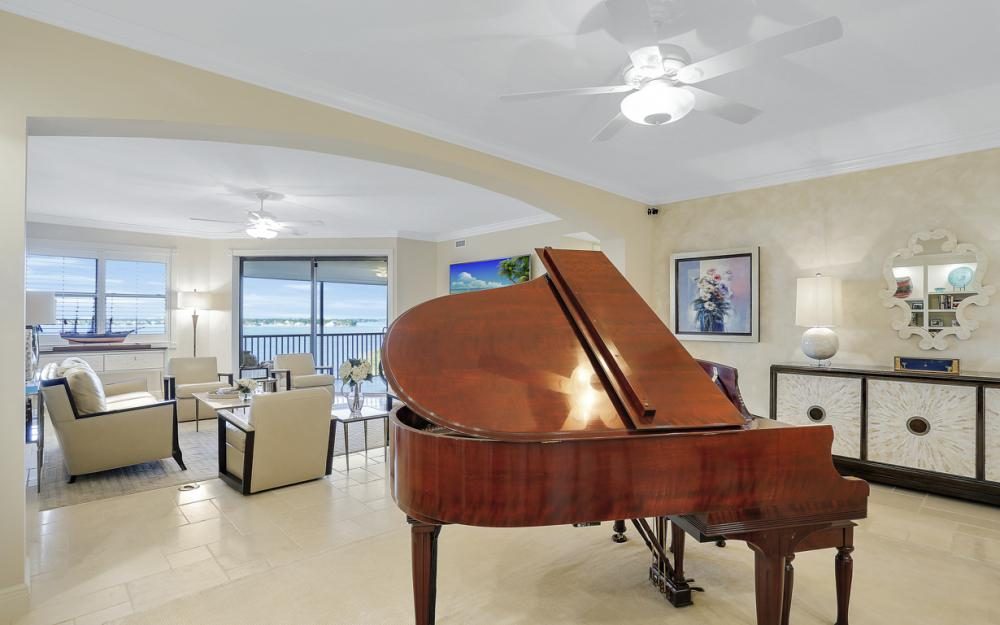 11600 Court of Palms #404, Fort Myers - Luxury Condo For Sale 2009271859