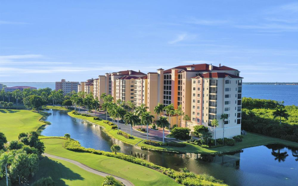 11600 Court of Palms #404, Fort Myers - Luxury Condo For Sale 228905850
