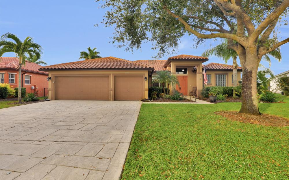 3515 Ocean Bluff Ct, Naples - Home For Sale 474200438