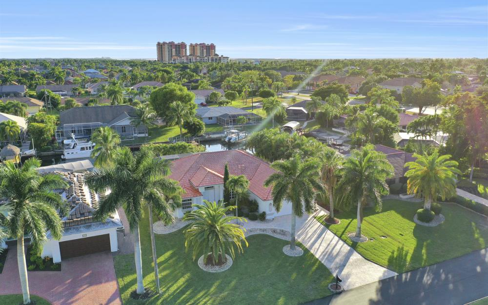 1526 SW 53rd Ter, Cape Coral - Home For Sale 639924634