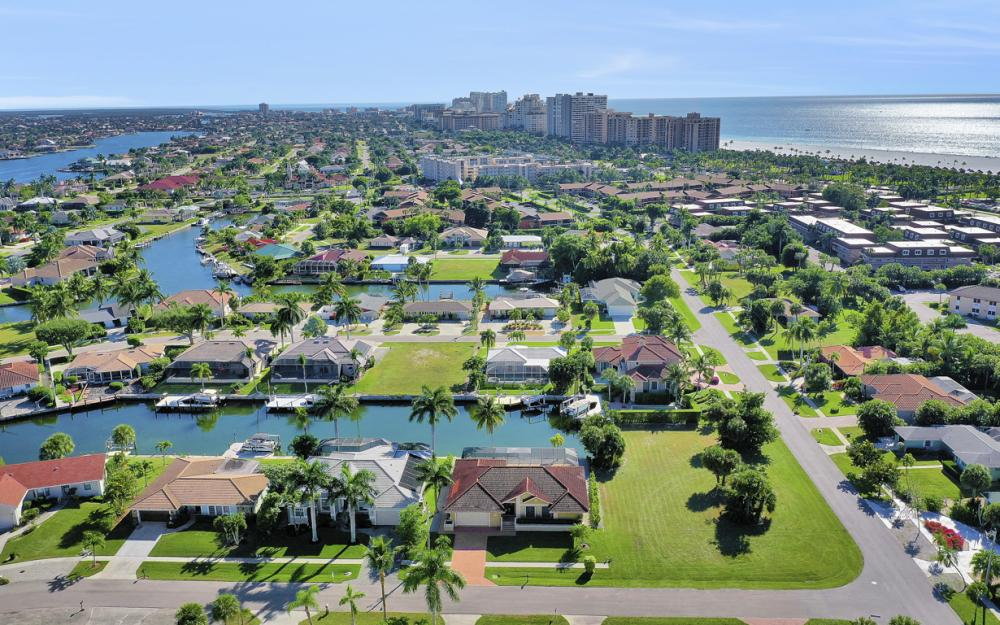 797 Dandelion Ct, Marco Island - Home For Sale 462742462