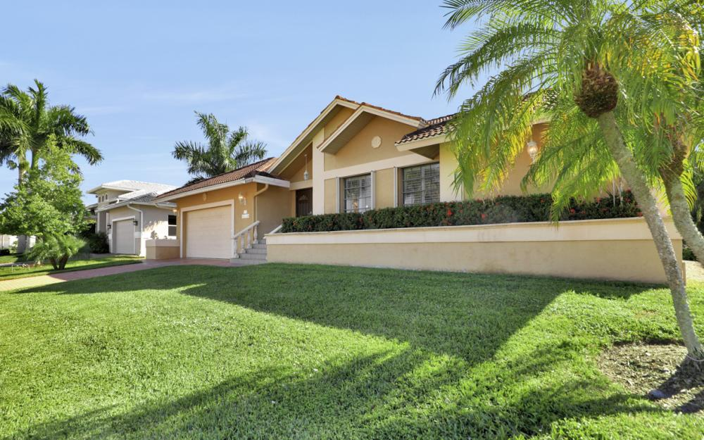 797 Dandelion Ct, Marco Island - Home For Sale 2011961564