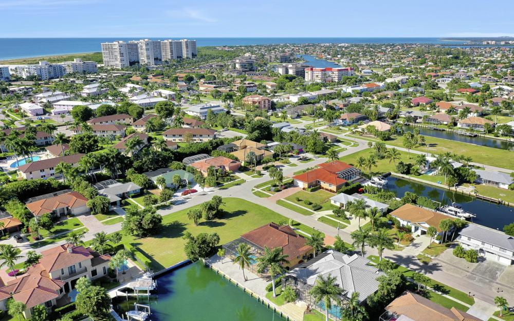 797 Dandelion Ct, Marco Island - Home For Sale 656569656