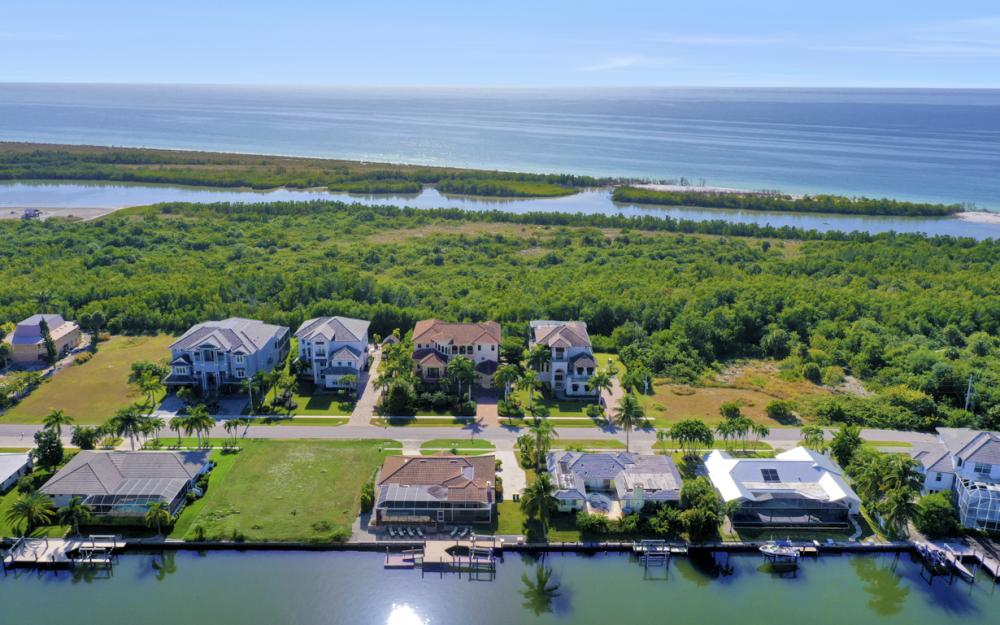 581 Spinnaker Dr, Marco Island - Vacation Rental 247667771