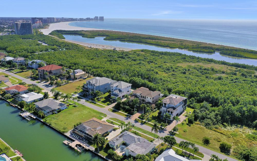 581 Spinnaker Dr, Marco Island - Vacation Rental 1027396369