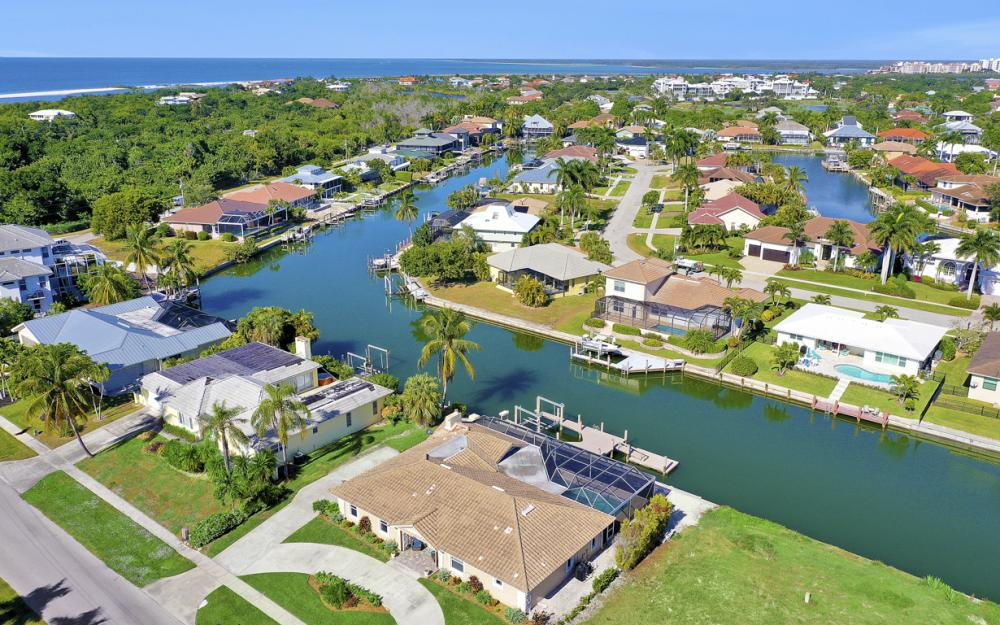 581 Spinnaker Dr, Marco Island - Vacation Rental 2029708571