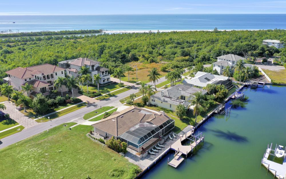 581 Spinnaker Dr, Marco Island - Vacation Rental 2121627511