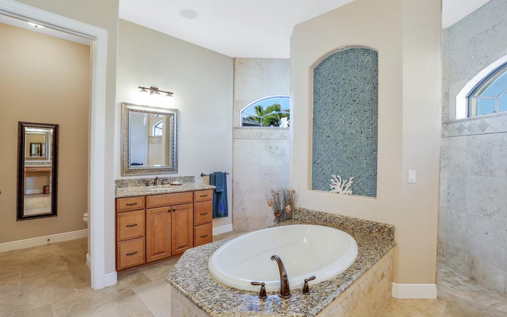 2116 SW 47th Ter, Cape Coral - Home For Sale 206110758