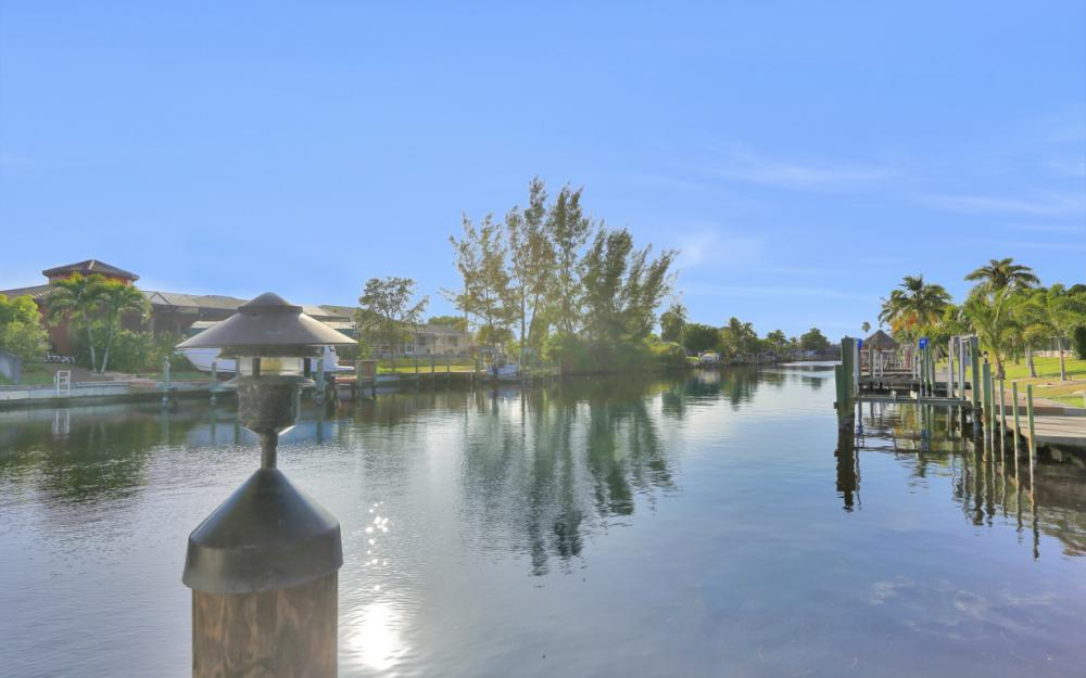 2116 SW 47th Ter, Cape Coral - Home For Sale 290744652