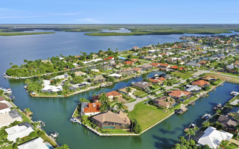 366 Rock Hill Ct, Marco Island - Home For Sale 676142356