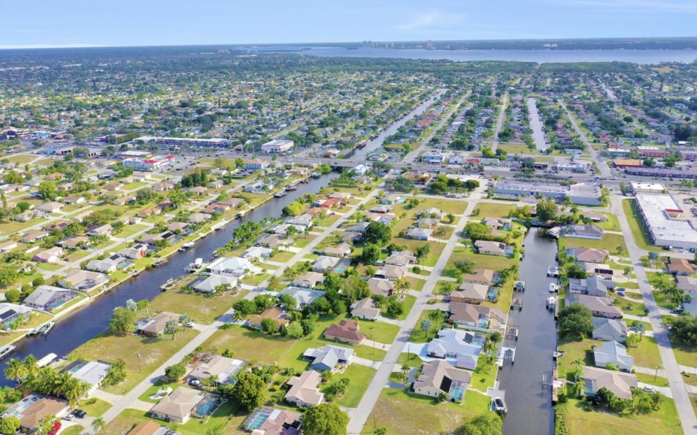 1429 SE 13th Ter, Cape Coral - Home For Sale 1049903249