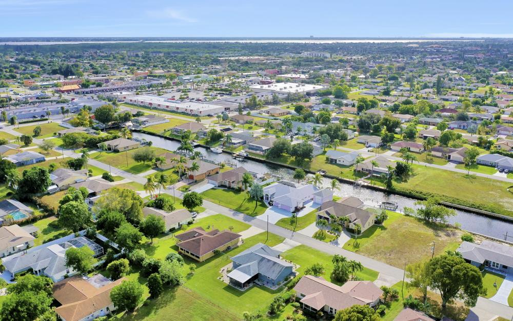 1429 SE 13th Ter, Cape Coral - Home For Sale 1214297683