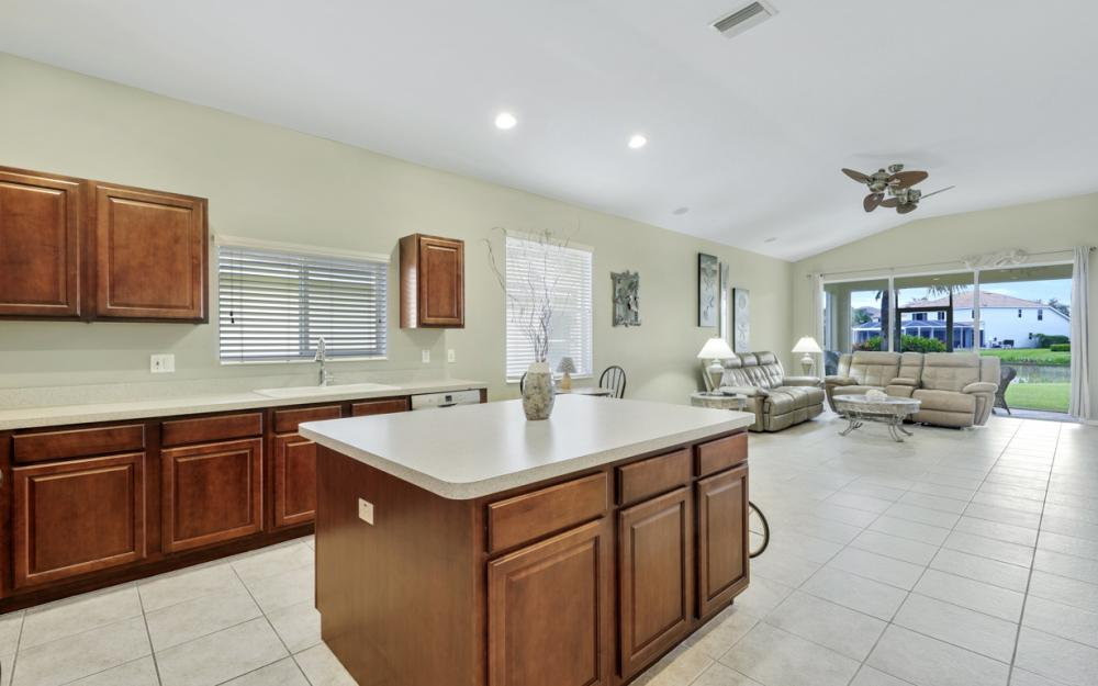 2644 Bellingham Ct, Cape Coral - Home For Sale 877700043