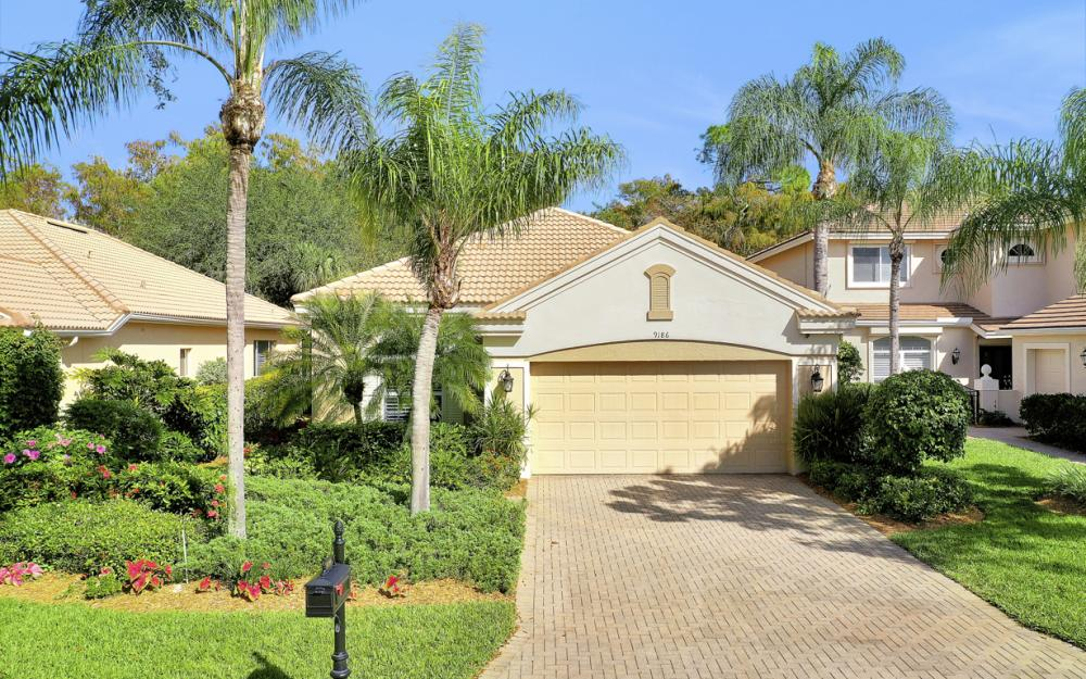 9186 Troon Lakes Dr, Naples - Home For Sale 2008344054