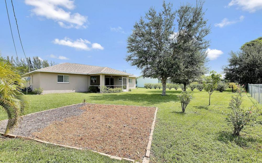 314 SE 17th St, Cape Coral - House For Sale 1210184740