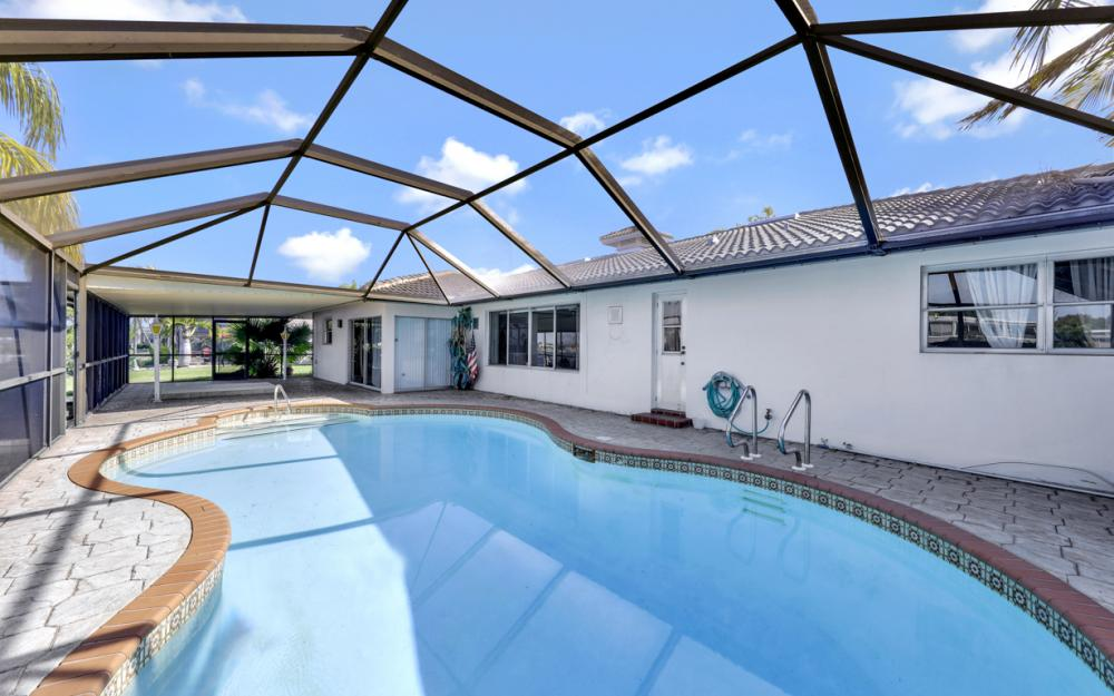 401 Avalon Dr, Cape Coral - Home For Sale 1634877389