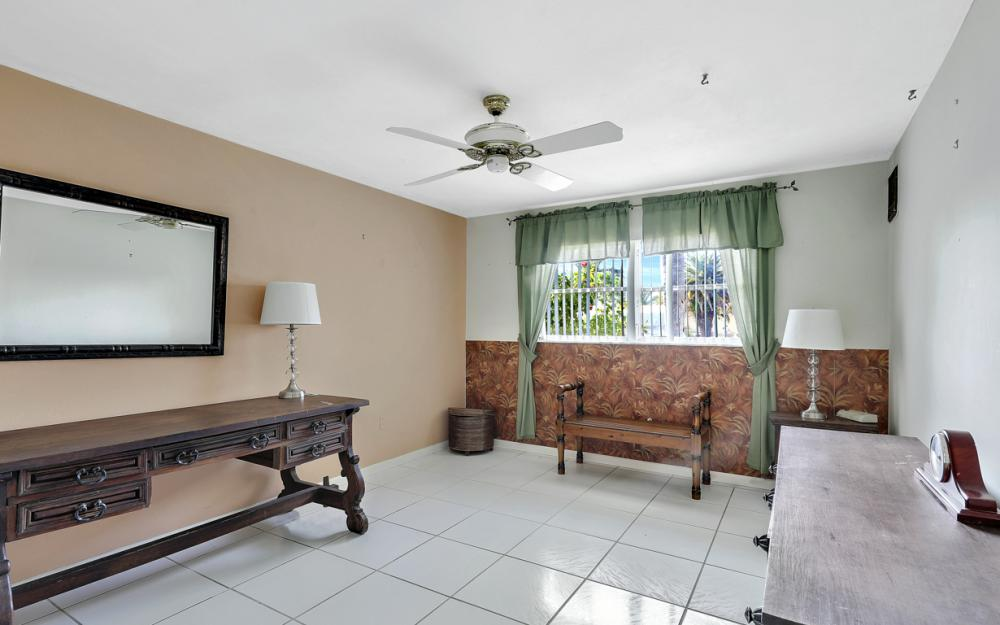 401 Avalon Dr, Cape Coral - Home For Sale 1258287548