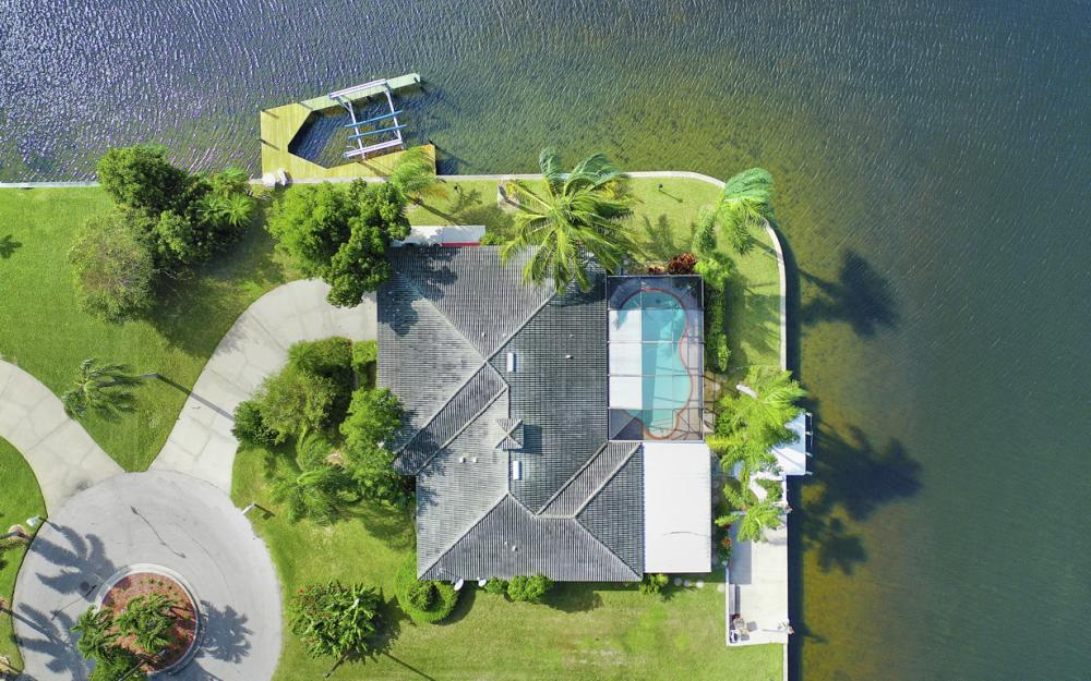 401 Avalon Dr, Cape Coral - Home For Sale 1843884095