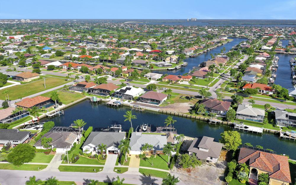 1606 Rainbow Ct, Marco Island - Home For Sale 1326527829