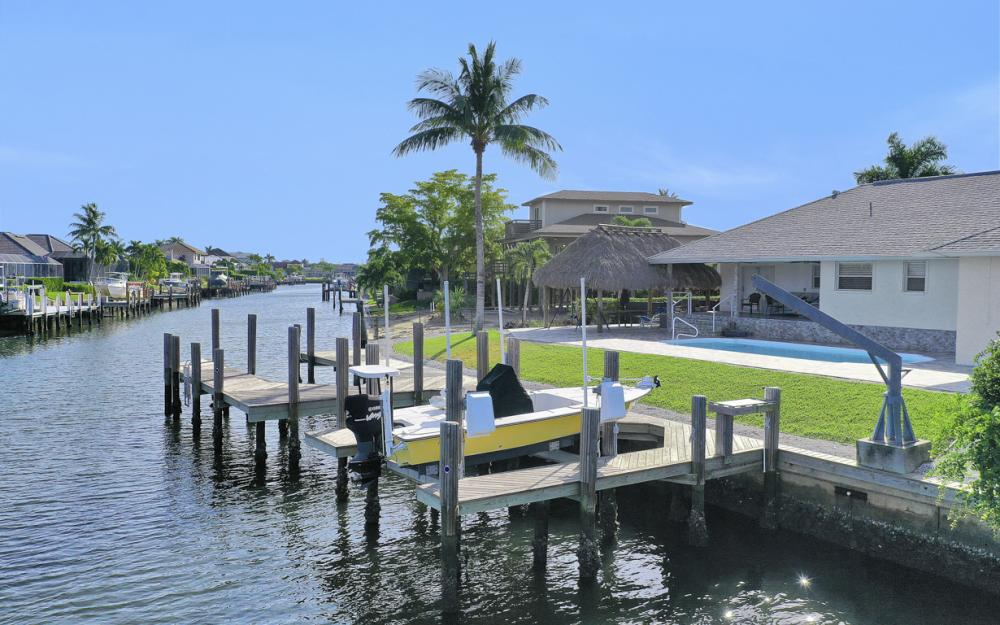 1606 Rainbow Ct, Marco Island - Home For Sale 1941418167