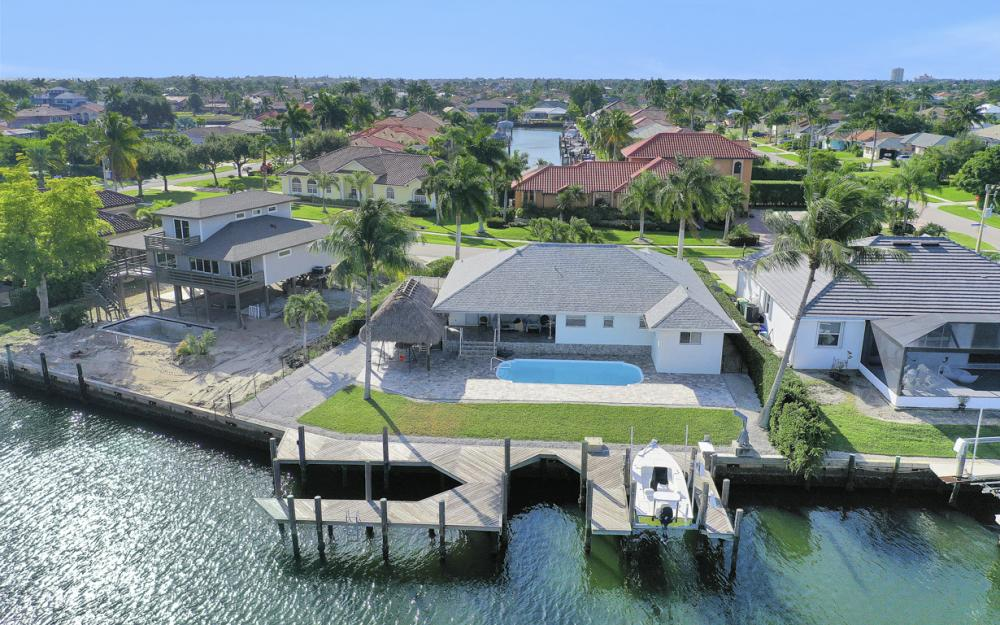 1606 Rainbow Ct, Marco Island - Home For Sale 2022334527