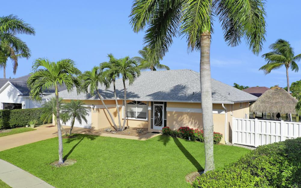 1606 Rainbow Ct, Marco Island - Home For Sale 698931585